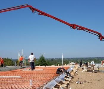 Fundamenty budynku i pojazd budowlany 002